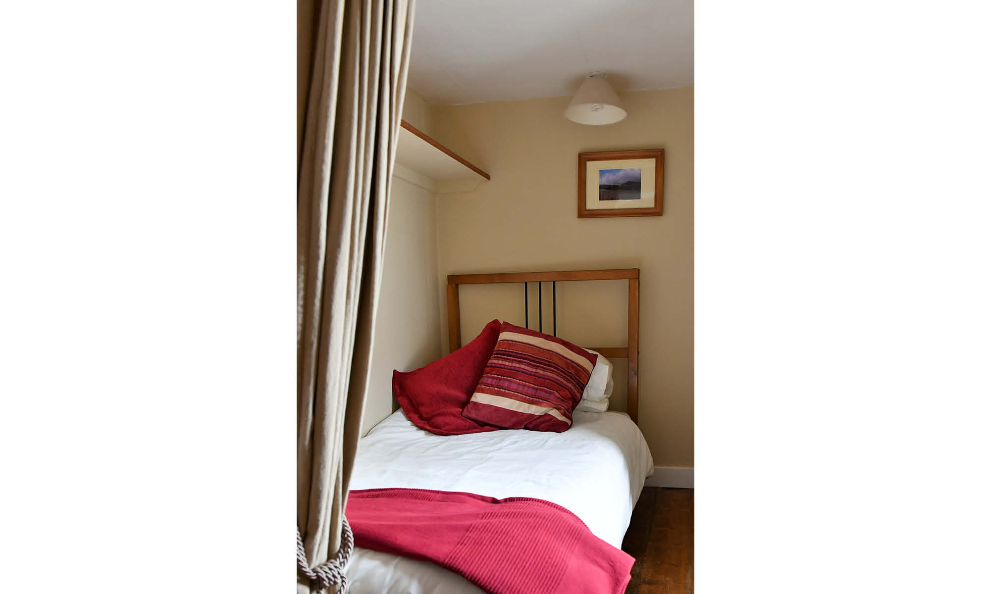 Room 1 single bed